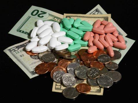 pills-vitamins-money