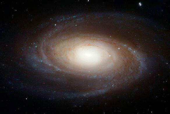 800px-Messier_81_HST