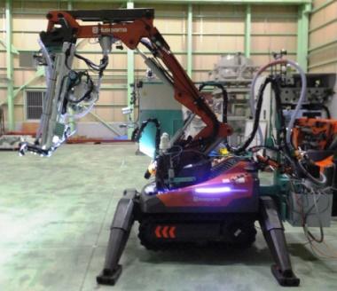 Fukushima_Daiichi_2_cleanup_robot_(Tepco)_380x328