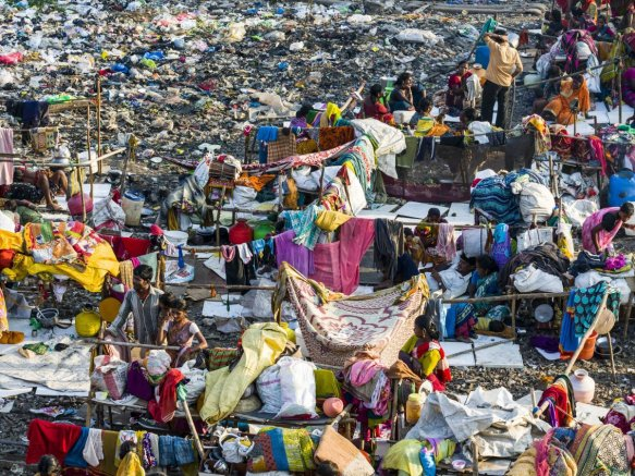 mumbai-india-slum-crowded-1