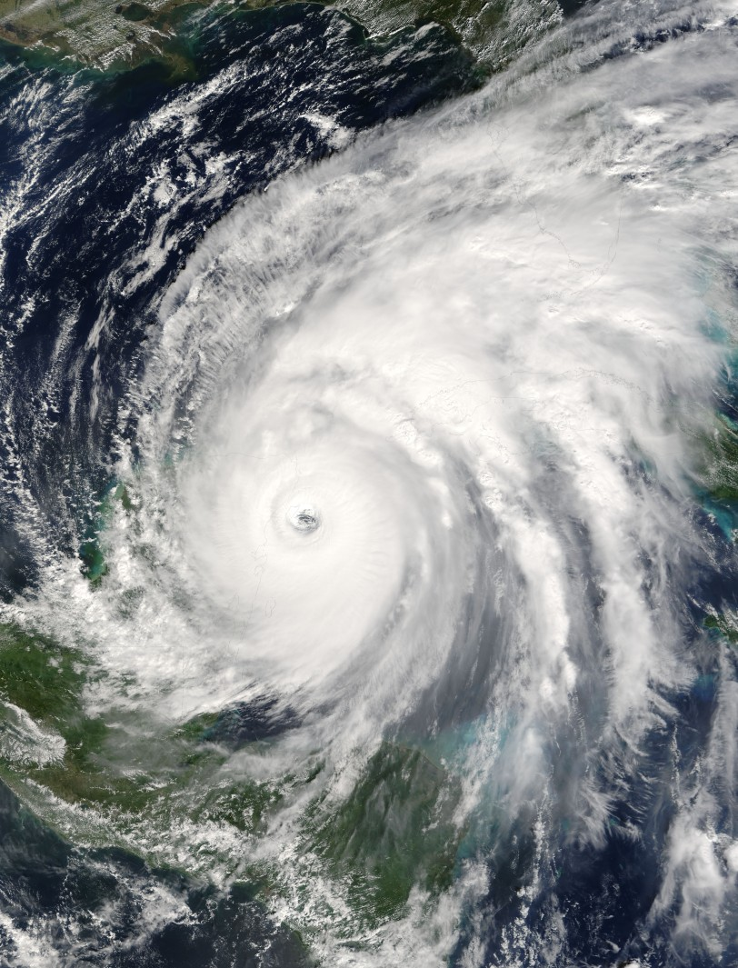 Hurricane_Wilma_21_oct_2005_1625Z