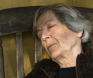 OldWomanSleeping300
