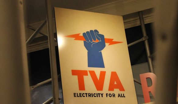 TVA_sign_at_Hyde_Park,_NY_IMG_5665.JPG