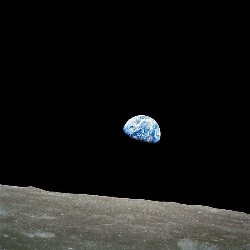800px-NASA-Apollo8-Dec24-Earthrise.jpg