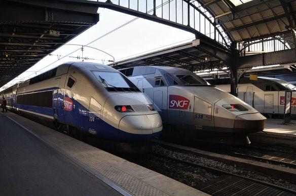 800px-Paris_-_TGV.jpg
