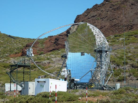 MAGIC_Telescope_-_La_Palma.jpg