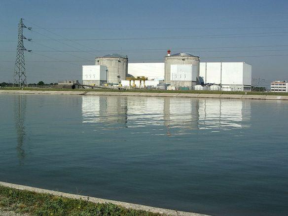 Centrale_nucléaire_de_Fessenheim2.jpg